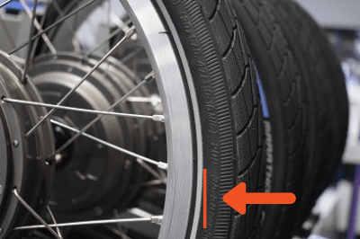 Tire-with-the-displayed-tire-pressure