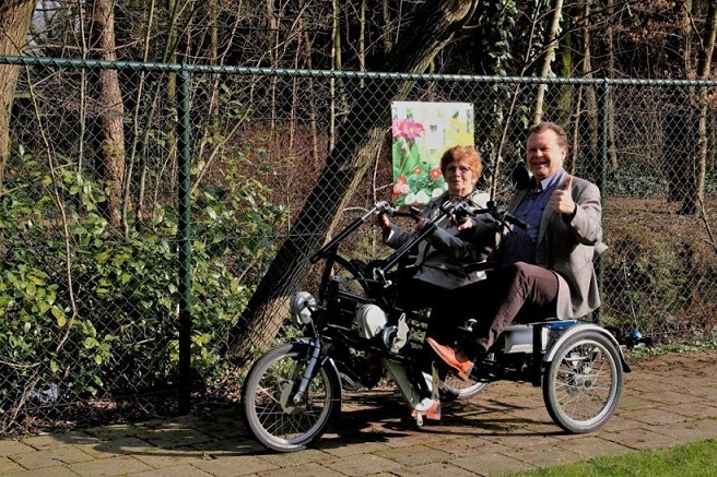 House for people with dementia receives double rider cycle from municipality