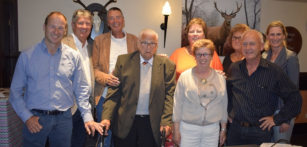 Meneer Kluver, his familie and Van Raam's management team