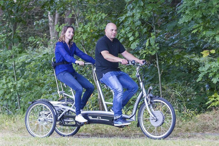 Tandem for adults with three wheels