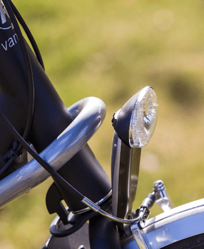 Check-the-automatic-lighting-of-the-Van-Raam-bike