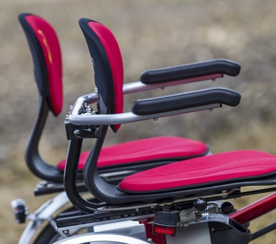 Adjustable seats side by side tandem