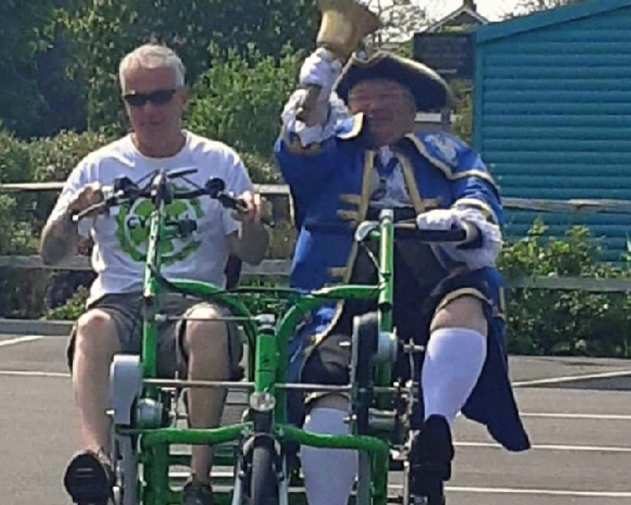 Adapted cycling in England with custom bike Fun2Go