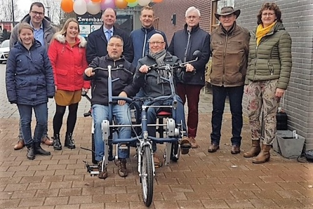 Adult day centre receives a side-by-side tandem after donations