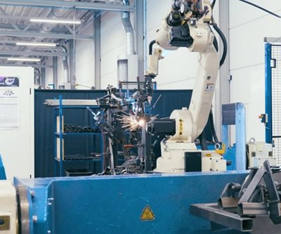 Van Raam production adapted bicycles welding robot
