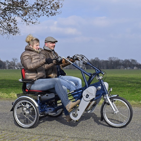 Side by side tandem bike