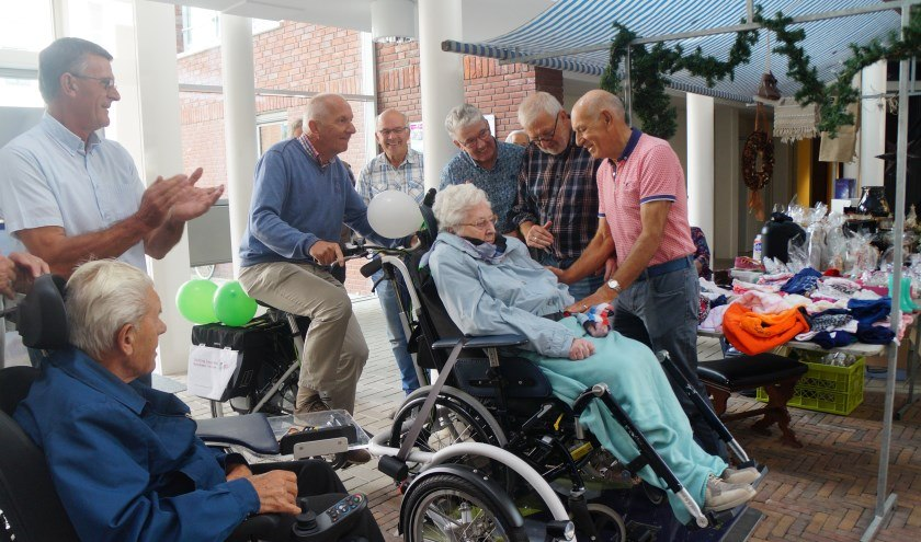 Wheelchair transport bike for care facility elderly people