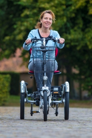 Mobility-scooter-and-bike-in-one