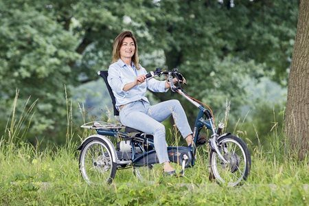 Tricycle for adults with electric pedal support