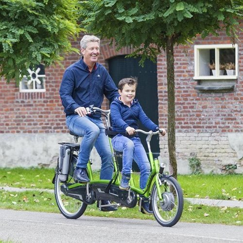 Tandem for parent with child in the front